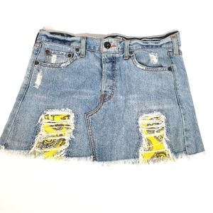 Levi's JeanSkirt Size9 Distressed Yellow Patchwork